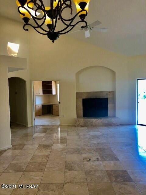 7180 E Grey Fox Lane, Tucson, AZ 85750 (#22123302) :: The Local Real Estate Group | Realty Executives