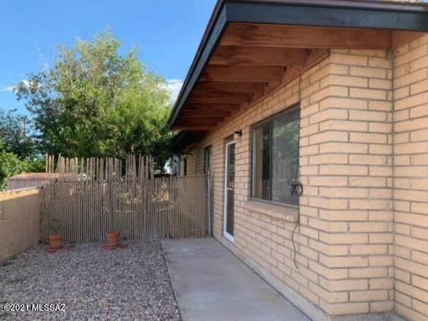 616 E Apache Circle, Benson, AZ 85602 (#22126234) :: Kino Abrams brokered by Tierra Antigua Realty