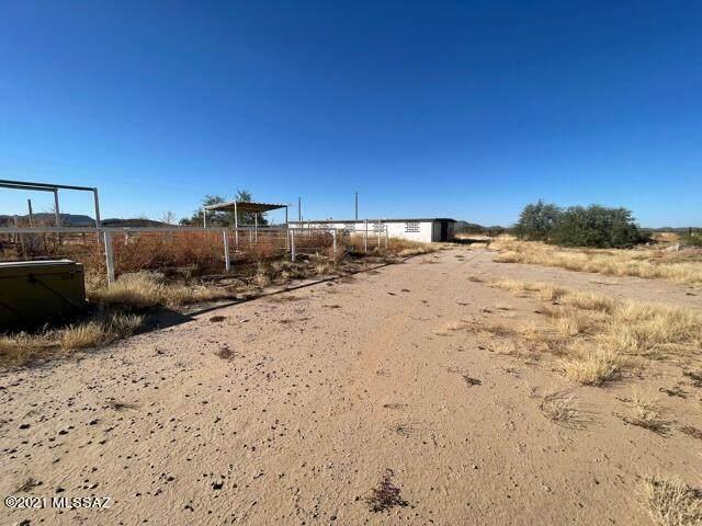 16371 W Hermans Road, Tucson, AZ 85735 (#22126600) :: The Crown Team