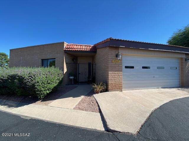 8569 E Pine Valley Drive, Tucson, AZ 85710 (#22126913) :: Long Realty - The Vallee Gold Team
