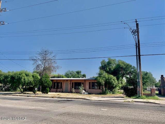 4426 E Glenn Street, Tucson, AZ 85712 (#22127675) :: The Crown Team
