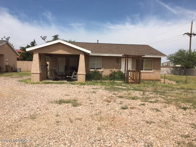 202 N Ford Street, Pearce, AZ 85625 (#21723306) :: Long Realty Company