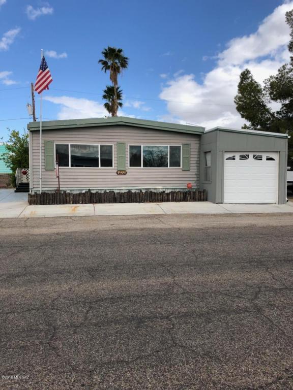5652 W Circle Z Street, Tucson, AZ 85713 (#21803679) :: RJ Homes Team