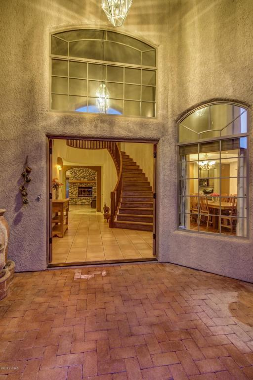 4510 N Bear Canyon Road, Tucson, AZ 85749 (#21811147) :: Long Realty - The Vallee Gold Team