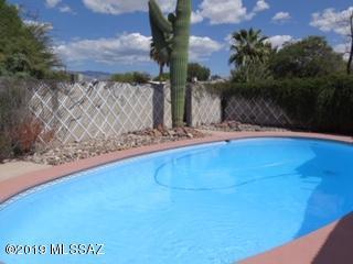 5819 E Bellevue Street, Tucson, AZ 85712 (#21903941) :: The Josh Berkley Team