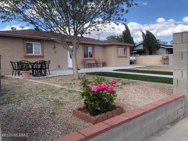 850 W Calle Castile, Tucson, AZ 85756 (#22009465) :: Luxury Group - Realty Executives Arizona Properties