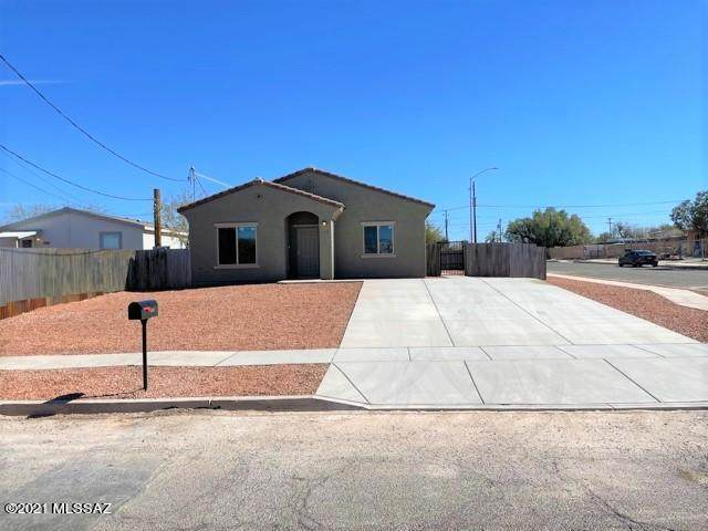 1351 S 9th Avenue, Tucson, AZ 85713 (#22101658) :: Long Realty - The Vallee Gold Team