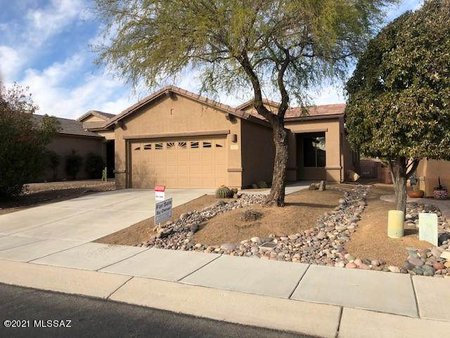 474 W Chardin Drive, Green Valley, AZ 85614 (#22101828) :: Long Realty - The Vallee Gold Team