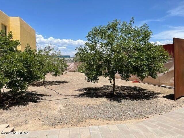 869 & 871 W Calle De Los Higos 97 98, Tucson, AZ 85745 (#22114036) :: Kino Abrams brokered by Tierra Antigua Realty