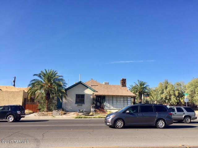 41 E Speedway Boulevard, Tucson, AZ 85705 (#21708627) :: Long Realty Company