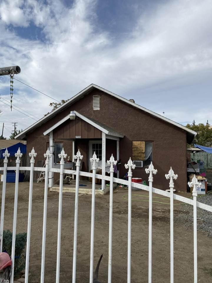 27226 Springville Avenue - Photo 1