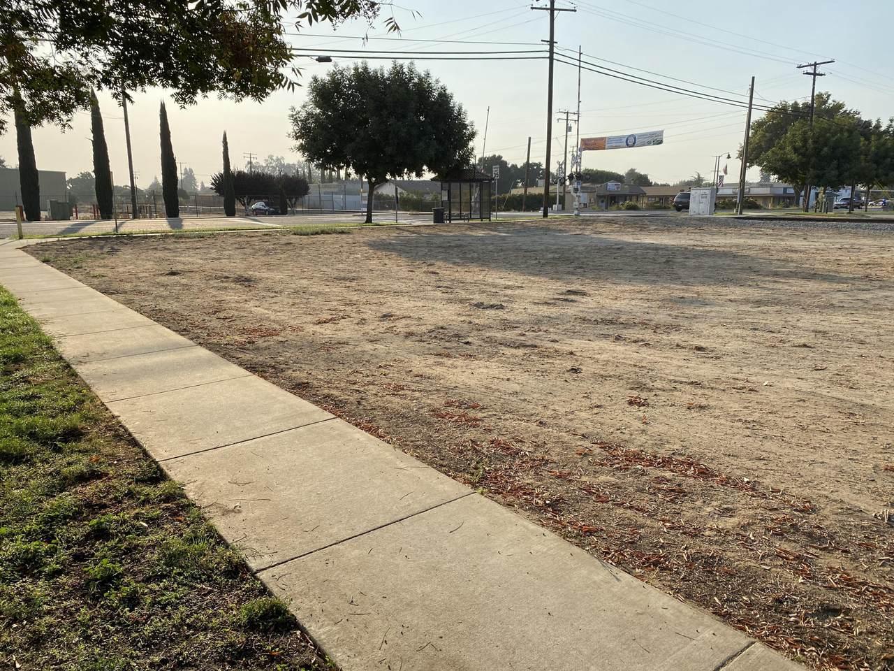 Farmersville Boulevard - Photo 1
