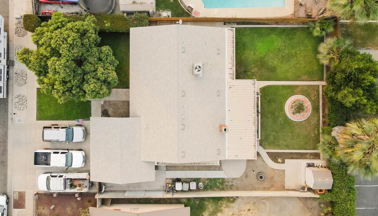 424 Garden Court - Photo 1