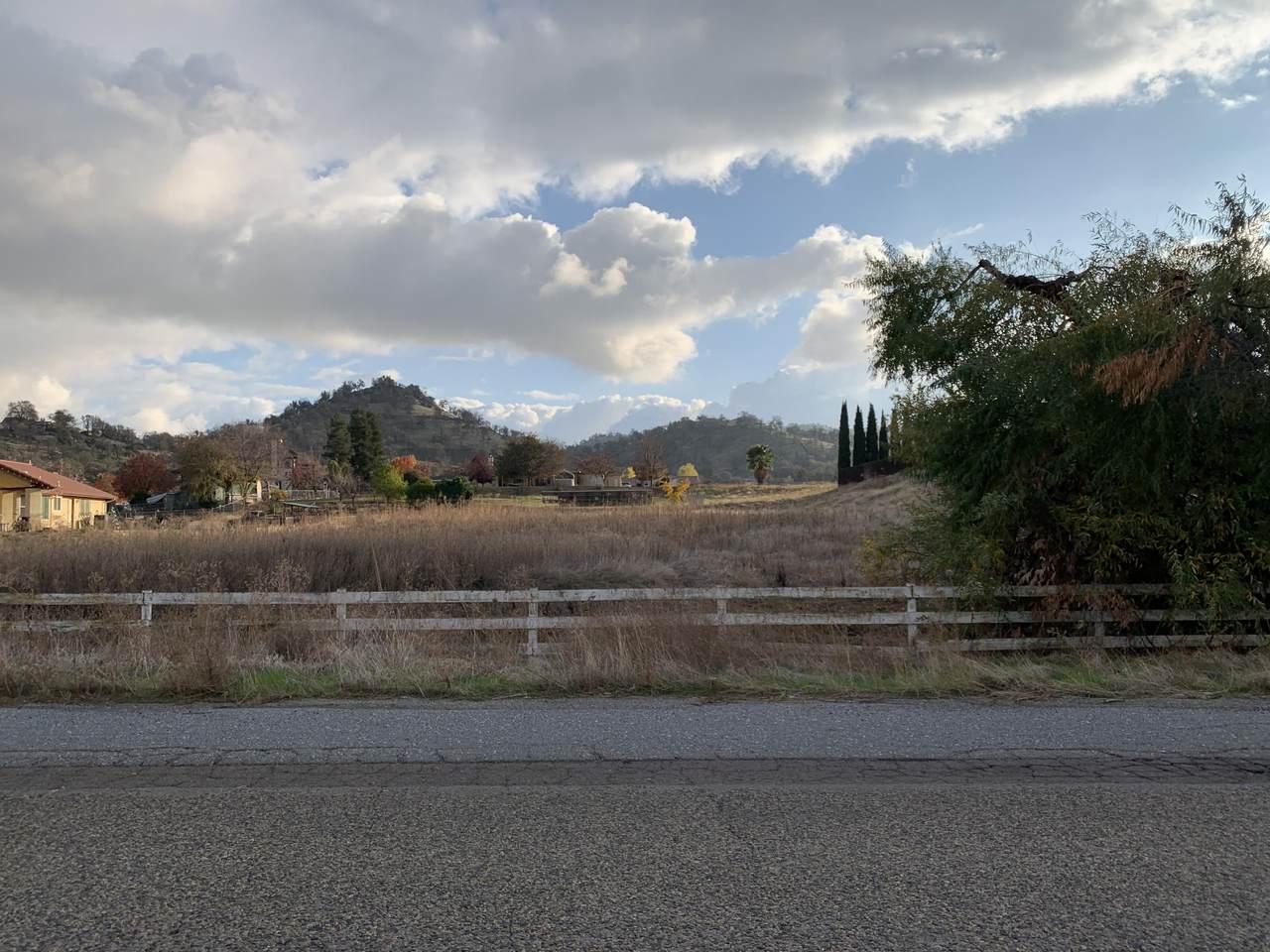 32301 Pleasant Oak Drive - Photo 1