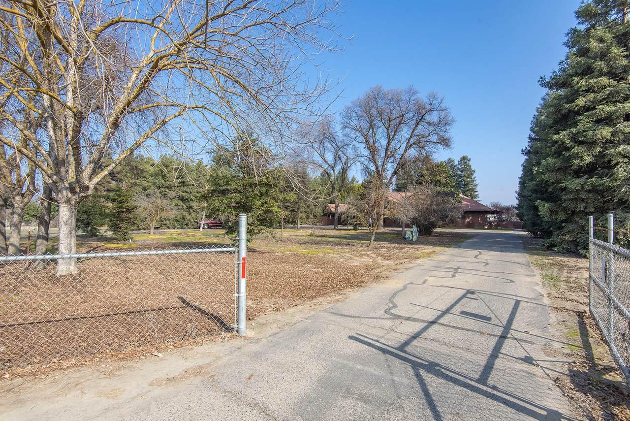 32480 Road 132 - Photo 1