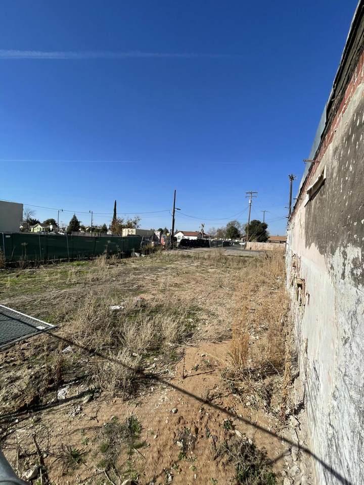 115 Valencia Boulevard - Photo 1