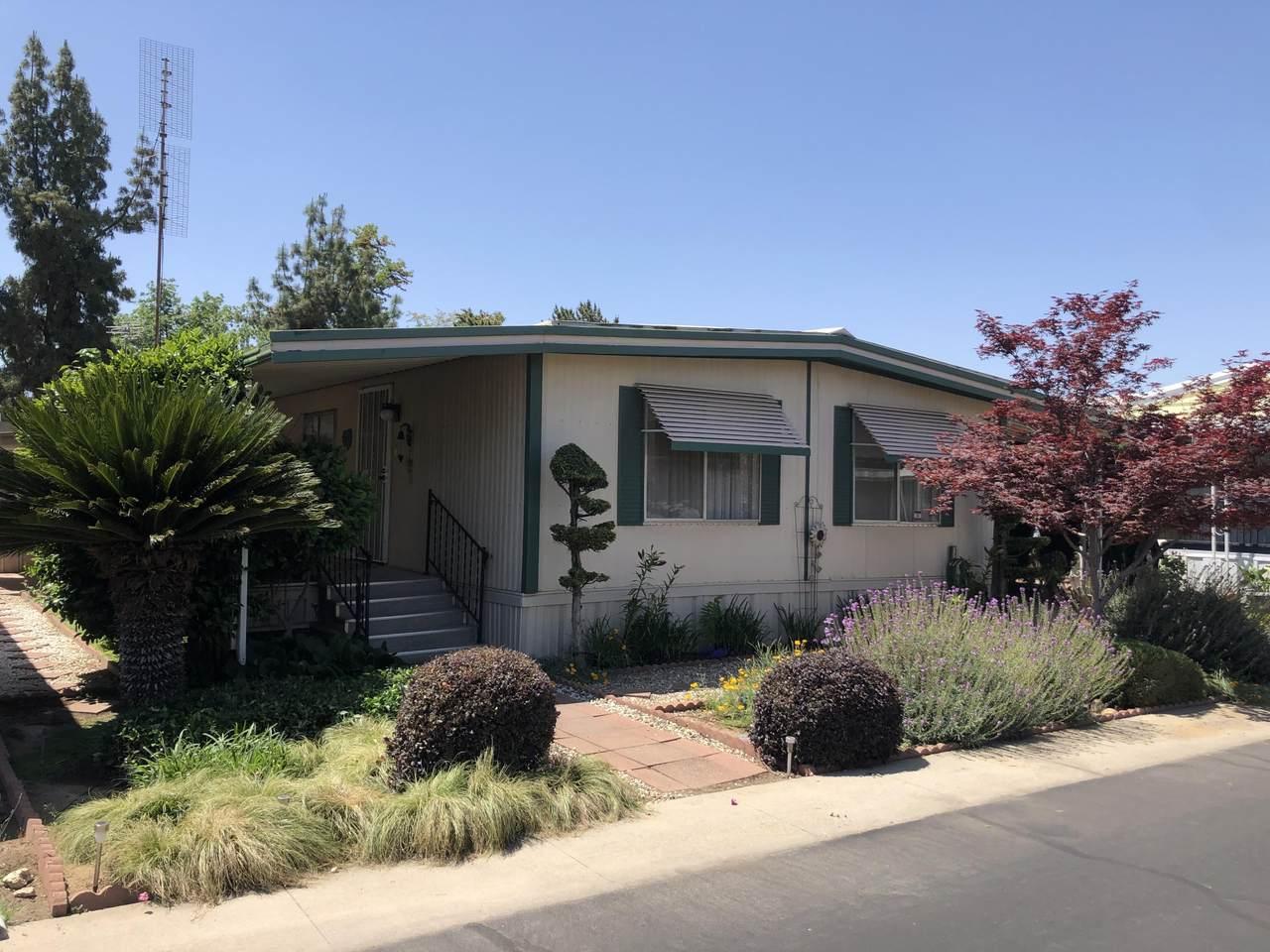 581 Crawford Avenue - Photo 1