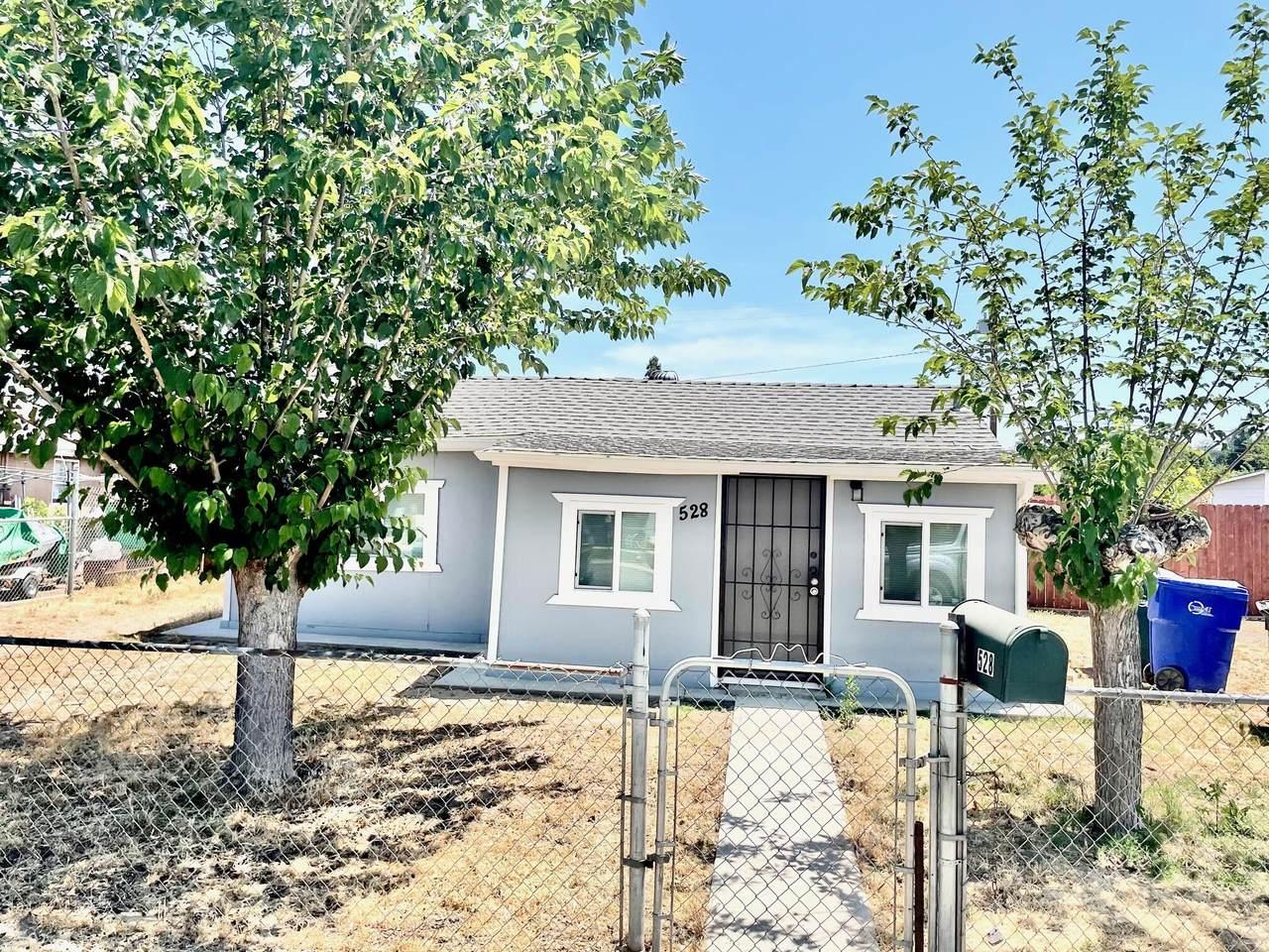 528 Ventura Avenue - Photo 1