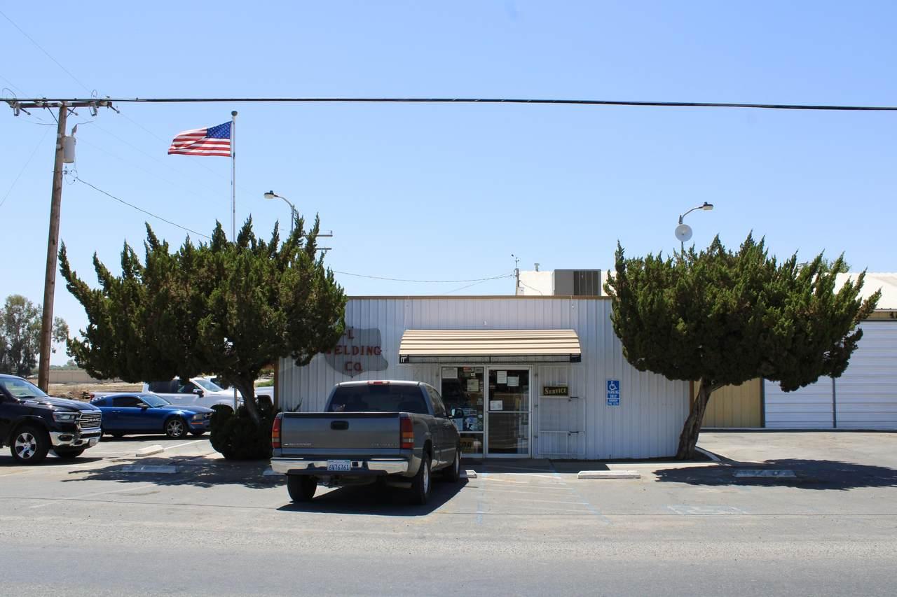 25548 Ave 102 - Photo 1