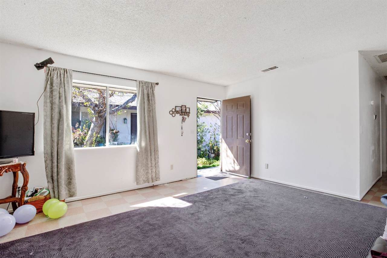 1130 Mooney Boulevard - Photo 1