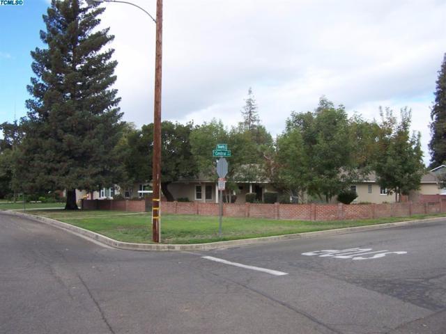 1700 W Beverly Drive SW, Visalia, CA 93277 (#127601) :: The Jillian Bos Team