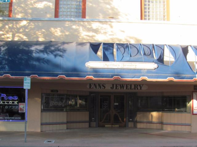 110 N L Street, Dinuba, CA 93618 (#127780) :: The Jillian Bos Team