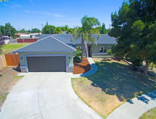 1694 W Oakland Court, Tulare, CA 93274 (#131107) :: The Jillian Bos Team
