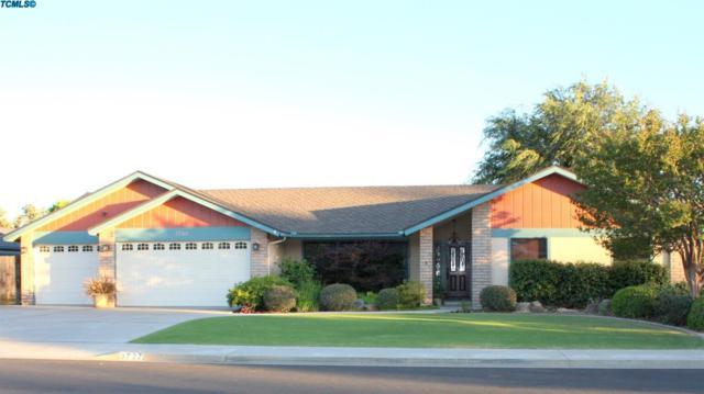 3727 W Sunnyside Avenue, Visalia, CA 93277 (#131222) :: The Jillian Bos Team