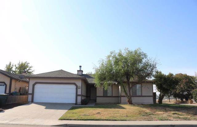 1827 E Pershing Avenue, Visalia, CA 93292 (#133952) :: The Jillian Bos Team