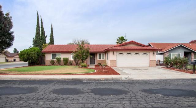 2104 Cherrywood Court, Hanford, CA 93230 (#134585) :: Robyn Graham & Associates