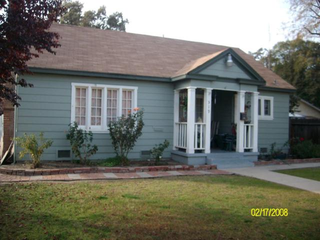 519 S Court Street, Visalia, CA 93277 (#134939) :: The Jillian Bos Team