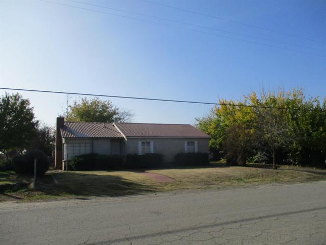 22615 Muscat Avenue, Reedley, CA 93654 (#134959) :: The Jillian Bos Team