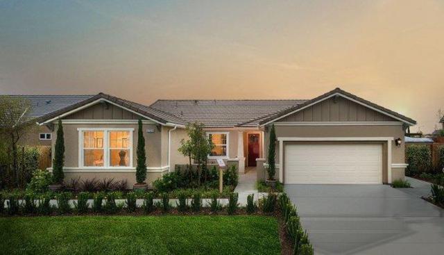 2723 N Boise Street, Visalia, CA 93291 (#135303) :: Robyn Graham & Associates