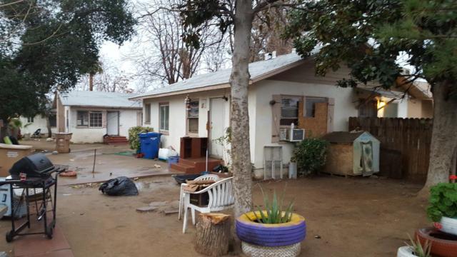 1721 Pacific Street, Bakersfield, CA 93305 (#136293) :: The Jillian Bos Team