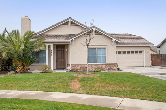 1128 Verdelho Court, Tulare, CA 93274 (#136590) :: Robyn Graham & Associates