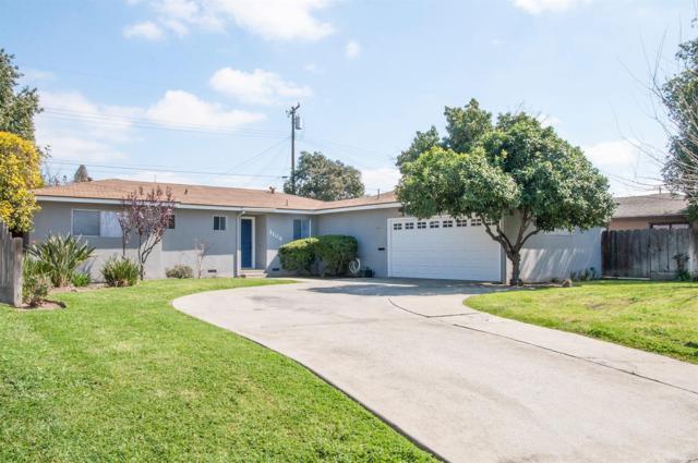 1104 S Whitney Drive, Visalia, CA 93277 (#136780) :: Robyn Graham & Associates