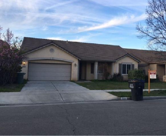 902 W Kimball Avenue, Visalia, CA 93277 (#136967) :: The Jillian Bos Team