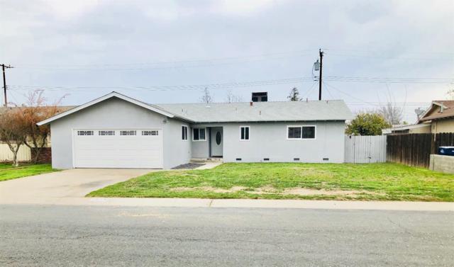 1538 W Maple Avenue, Tulare, CA 93274 (#137026) :: Robyn Graham & Associates