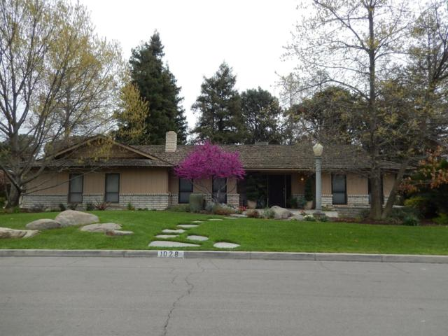 1028 N Manor Drive, Tulare, CA 93274 (#137069) :: Robyn Graham & Associates