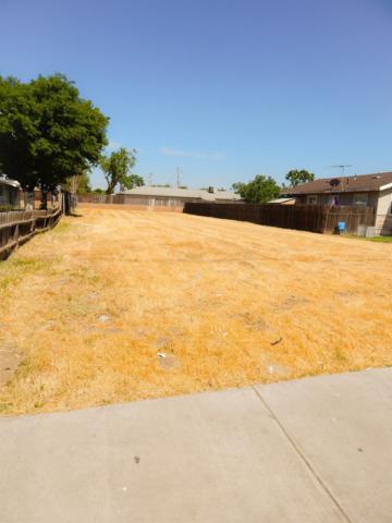 811 S Phillips Street, Hanford, CA 93230 (#138086) :: Robyn Graham & Associates