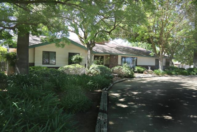 23205 Clayton Avenue, Reedley, CA 93654 (#138189) :: Robyn Graham & Associates
