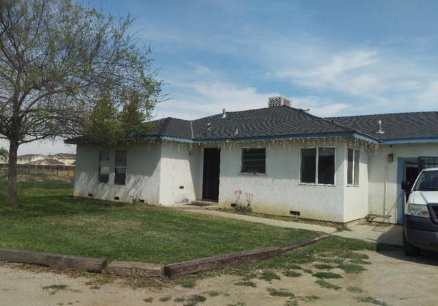 1120 N E Street, Tulare, CA 93274 (#138263) :: The Jillian Bos Team