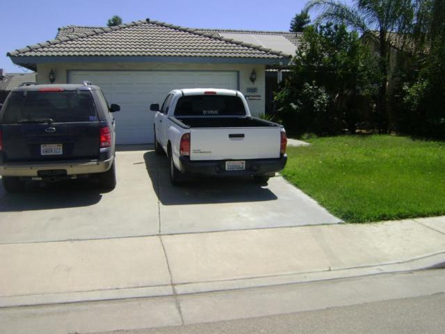 142 Sunset Street, Kingsburg, CA 93631 (#138941) :: Robyn Graham & Associates
