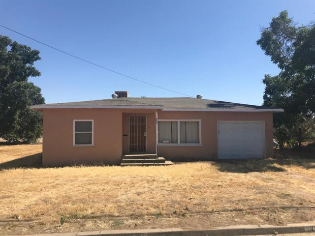 381 Oakland St, Farmersville, CA 93223 (#139232) :: Robyn Graham & Associates