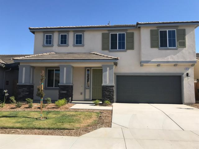 2073 Iacovetti Avenue, Tulare, CA 93274 (#139479) :: The Jillian Bos Team