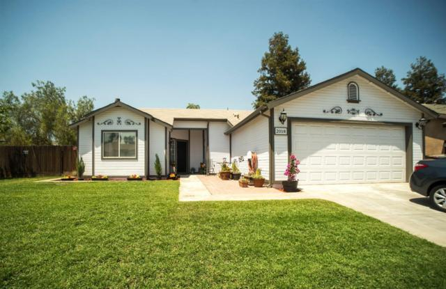 2018 Country View Avenue, Tulare, CA 93274 (#139483) :: The Jillian Bos Team