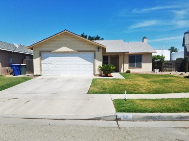 746 Pepper Avenue, Lemoore, CA 93245 (#139736) :: The Jillian Bos Team