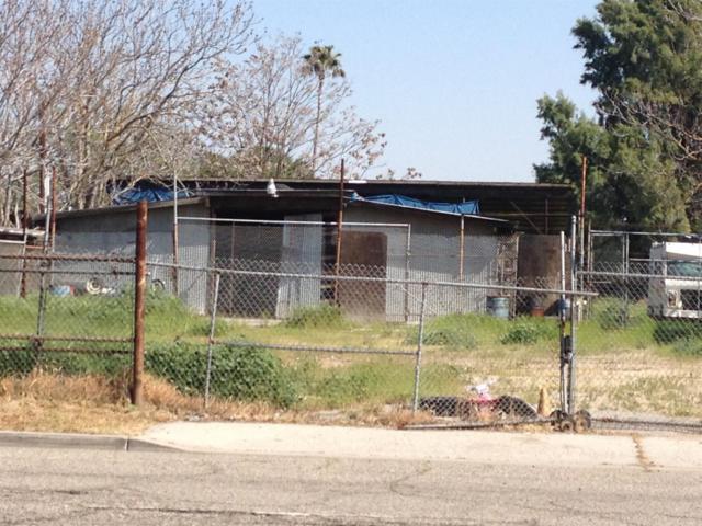 2459 S Orange Avenue, Fresno, CA 93725 (#139782) :: The Jillian Bos Team