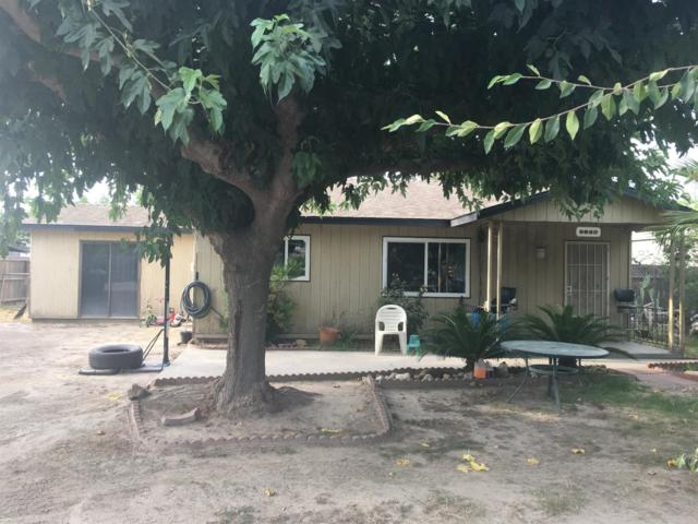 5980 Denver Avenue, Dinuba, CA 93618 (#139906) :: Robyn Graham & Associates