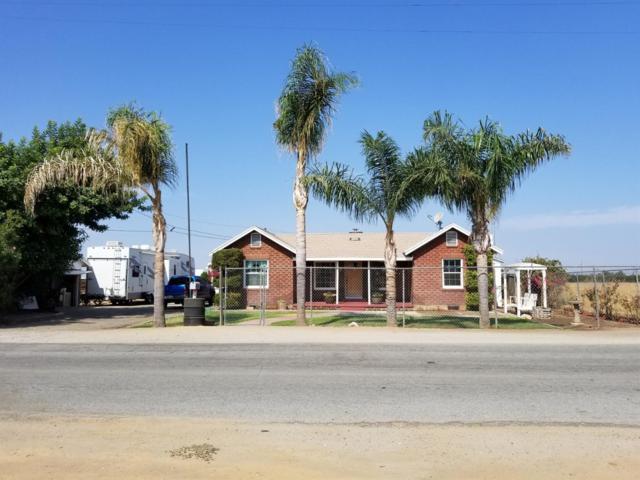823 Oak Avenue, Lindsay, CA 93247 (#140118) :: Robyn Graham & Associates